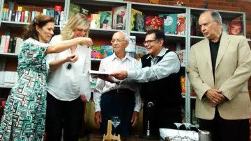 Nuevo libro de abediciones diserta sobre política y religión en Venezuela