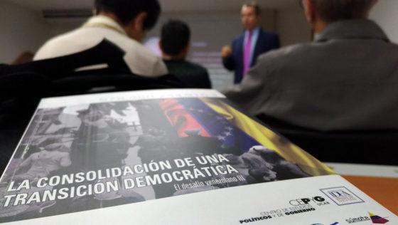 """UCAB ofrece gratuitamente el libro """"La consolidación de una transición democrática"""""""
