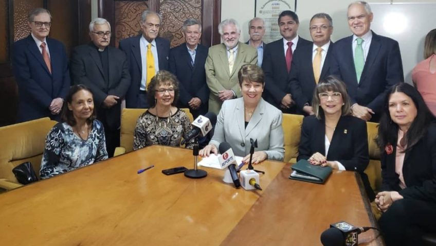 AVERU denunciará internacionalmente bloqueo de ayuda humanitaria