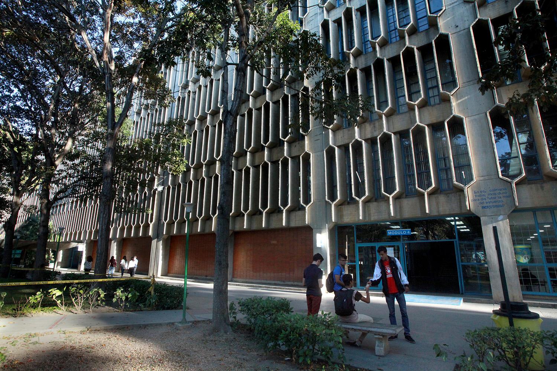 UCAB designó comisión que elaborará protocolo de actuación ante situaciones de acoso sexual