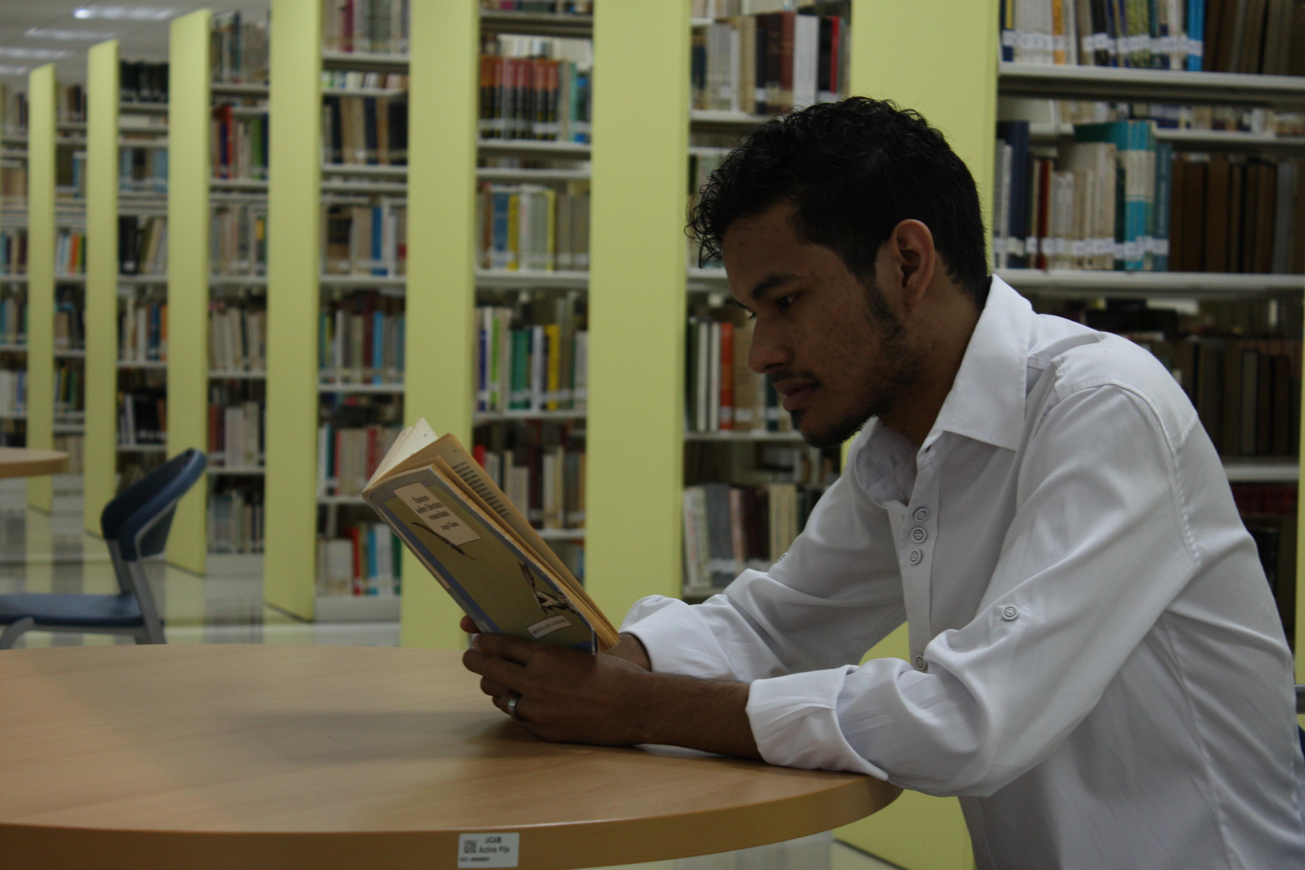 ABediciones invita a los ucabistas a «celebrar entre libros»