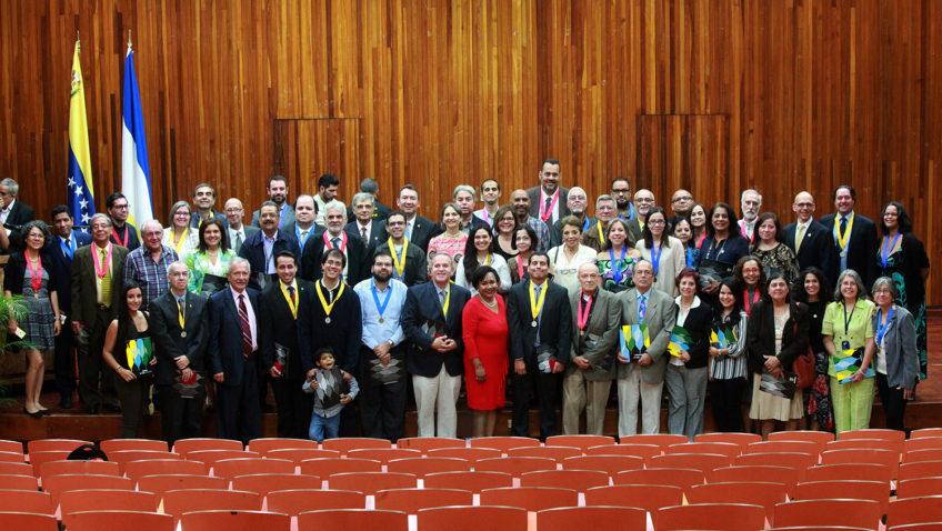 Honor a quien honor merece: la UCAB condecoró a sus empleados y profesores