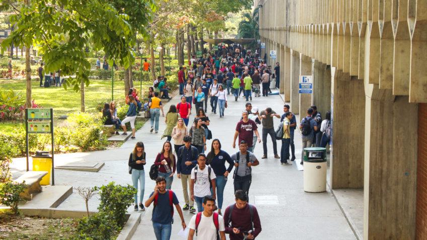Ucabistas iniciaron el semestre diciendo ¡Aquí estamos!