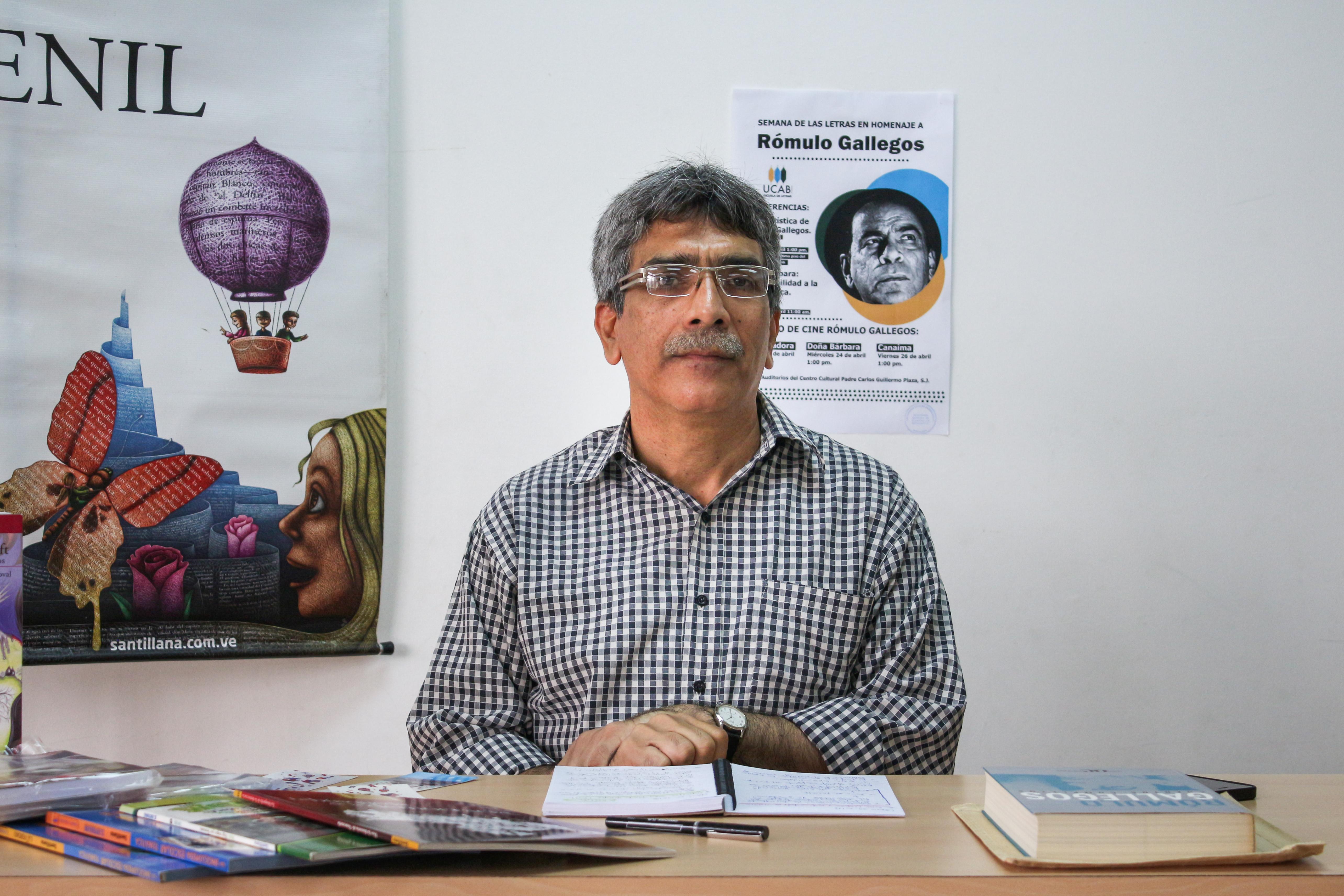 El Ucabista pregunta sobre Rómulo Gallegos a… Carlos Sandoval