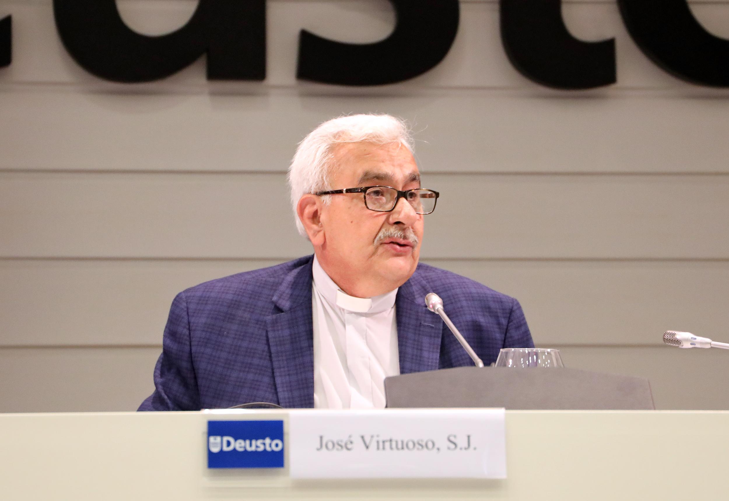 Francisco Virtuoso desde Deusto: «La solución a la crisis del país no es externa»