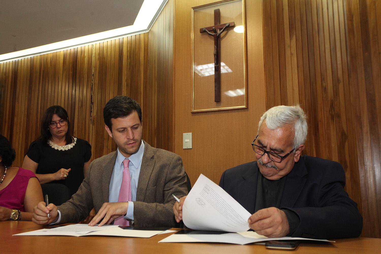 La alcaldía de El Hatillo y la UCAB suscribieron convenio para sacar provecho del servicio comunitario