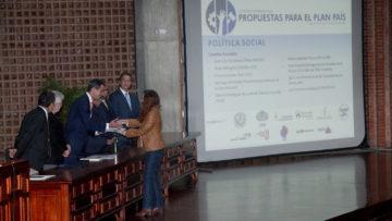 Las universidades entregaron a Guaidó propuestas para el Plan País