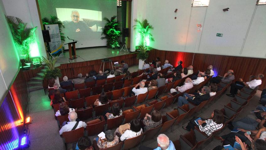 Egresados y amigos reafirmaron su compromiso con la UCAB