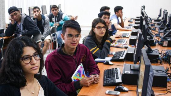 Grupo de jóvenes recibió formación educativa en la actividad Mundo UCAB