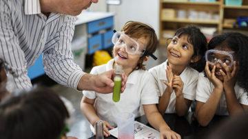 Escuela de Educación invita a campamento vacacional infantil para descubrir la ciencia