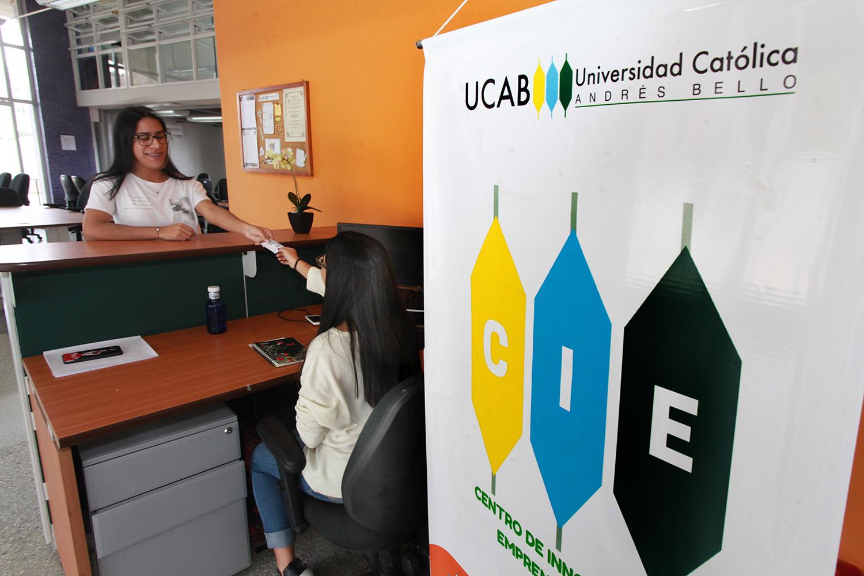 Centro de Innovación y Emprendimiento inició programa de acompañamiento para ucabistas con ideas de negocio