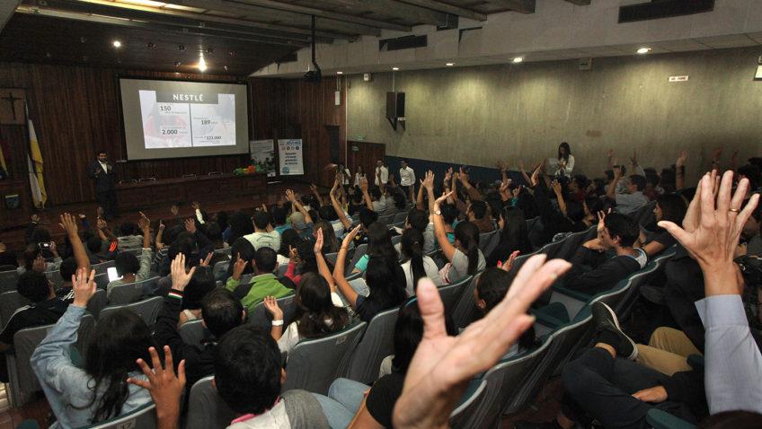 Conexión al Éxito llegó a la UCAB para impulsar a los jóvenes