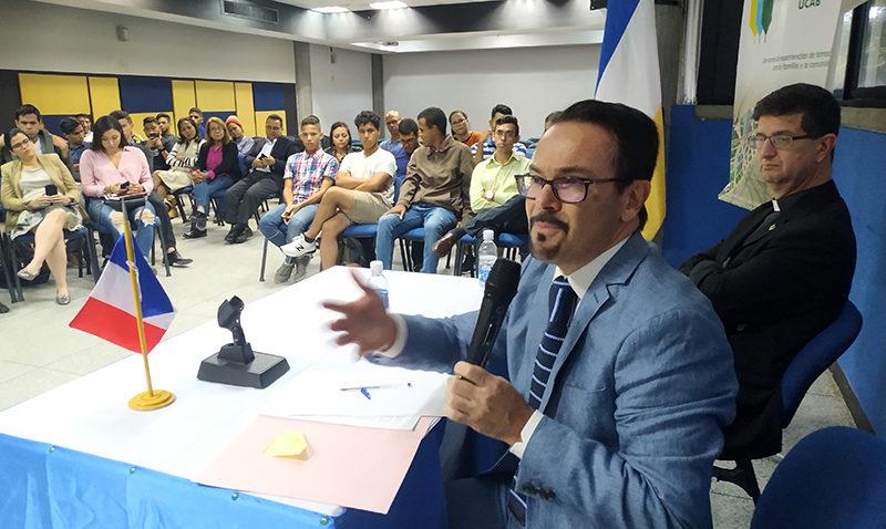 """Embajador francés sobre Venezuela: """"No indiferencia, pero tampoco injerencia"""""""