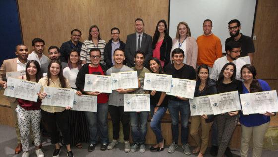 Primera cohorte de la cátedra Daycohost recibió sus diplomas