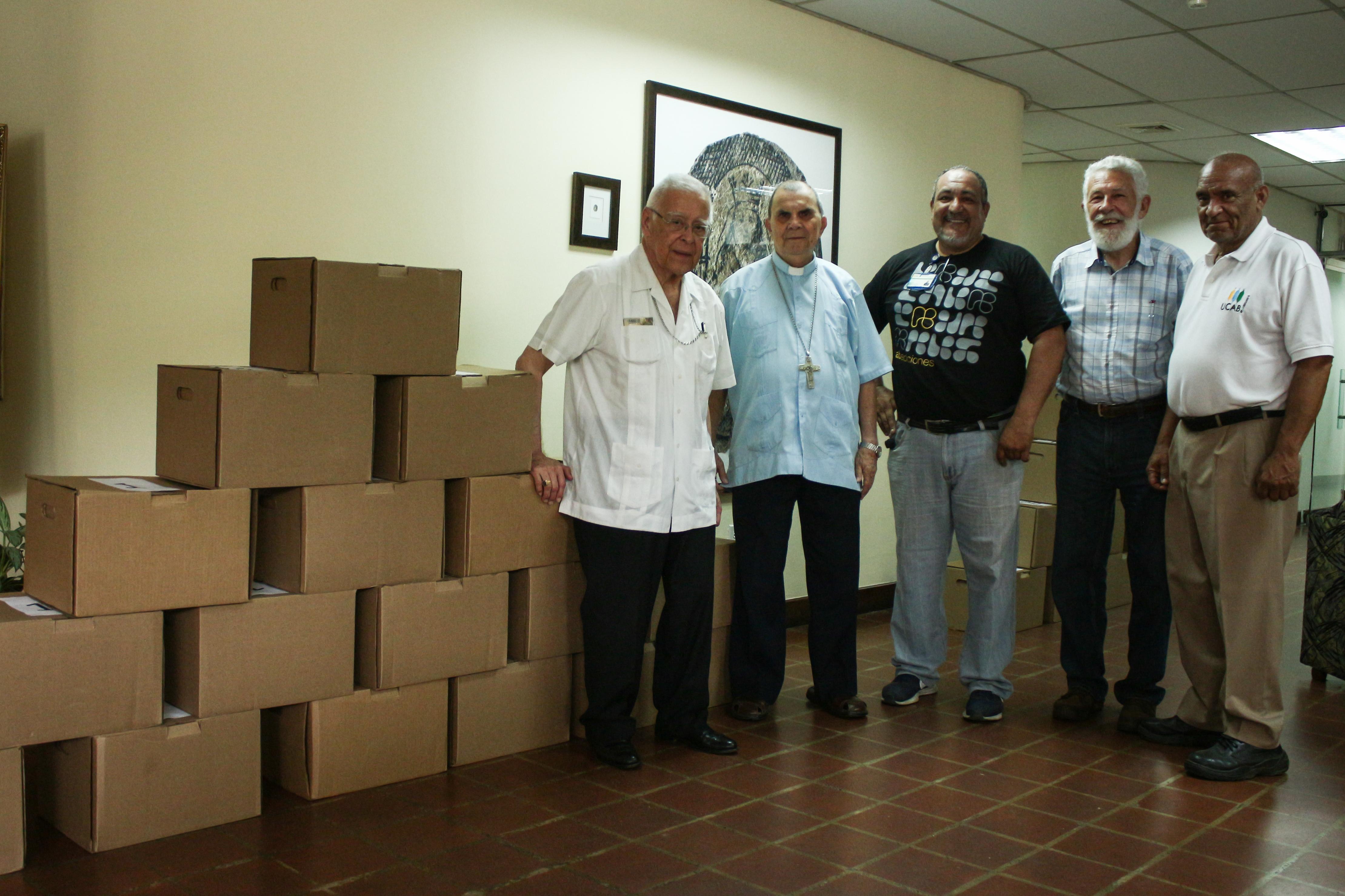 Abediciones donó más de 2.000 libros a la Conferencia Episcopal Venezolana