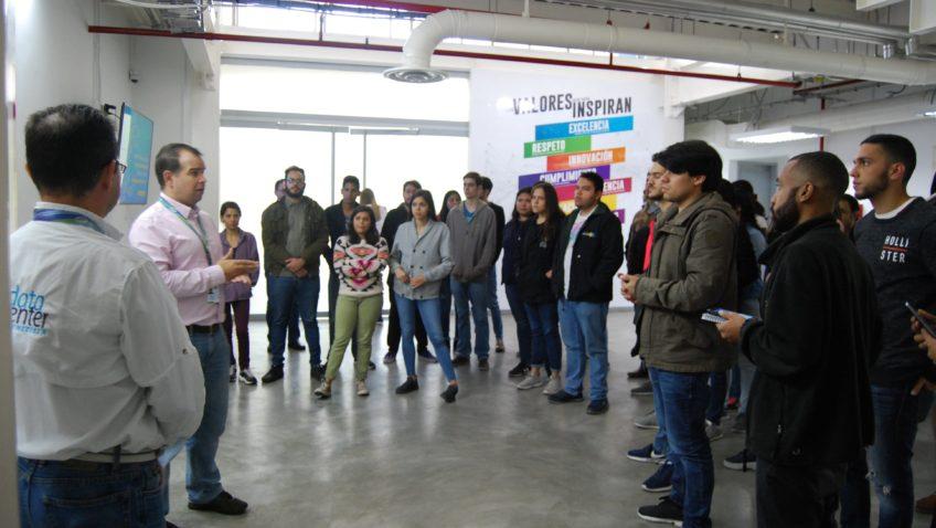 """Participantes de la electiva Transformación Digital conocieron la """"Nube Daycohost"""""""