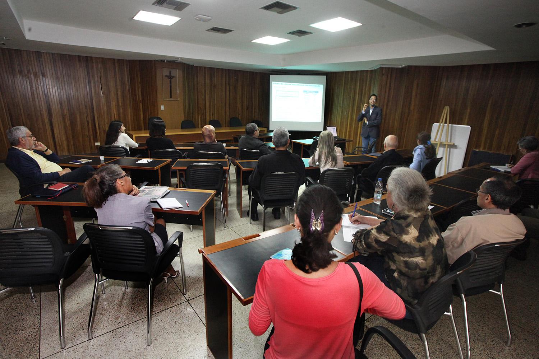 Facultad de Humanidades y Educación evaluó con sus investigadores avances de sus líneas de trabajo