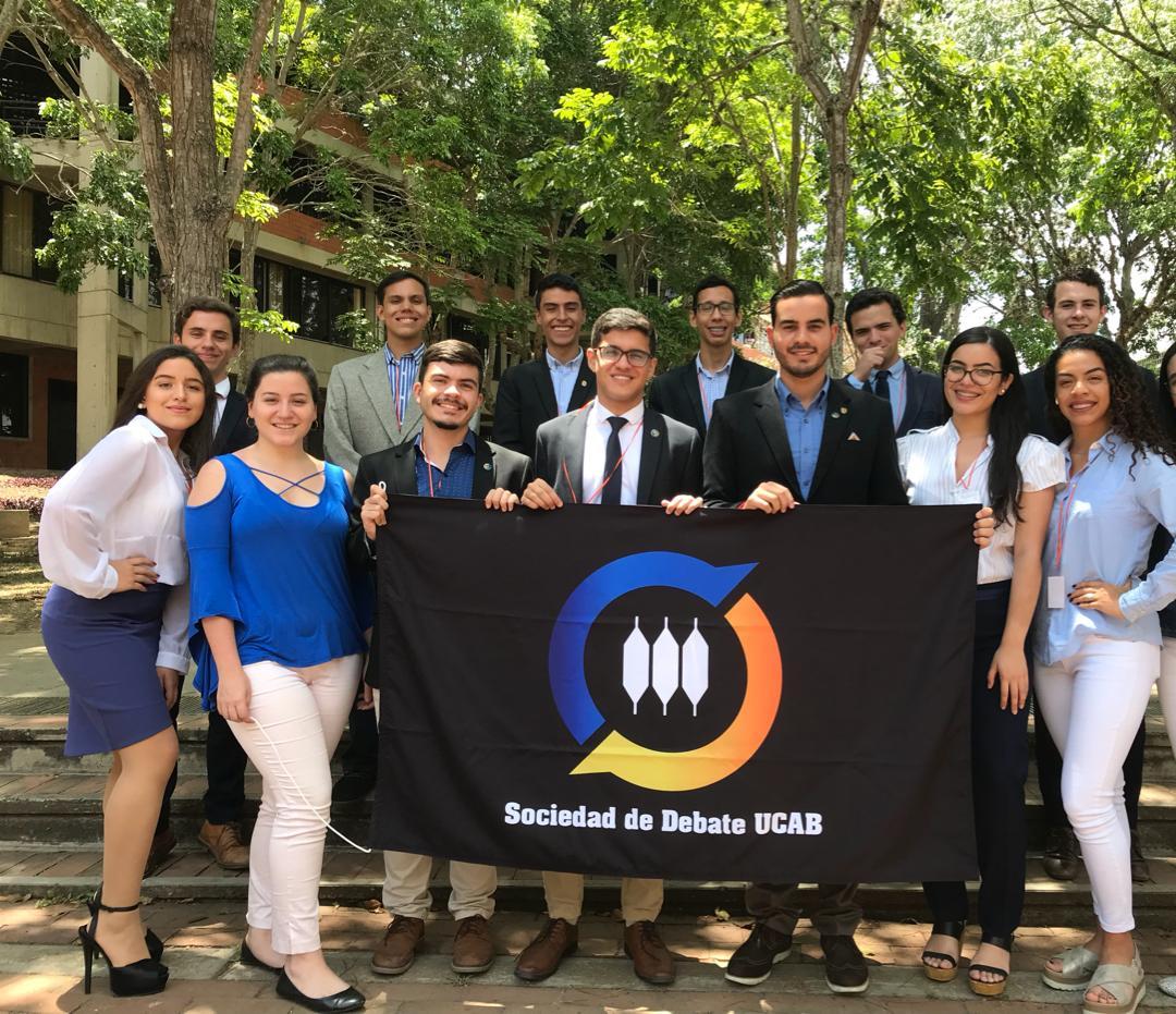 Ucabistas viajarán a Perú para participar en campeonato mundial de debate