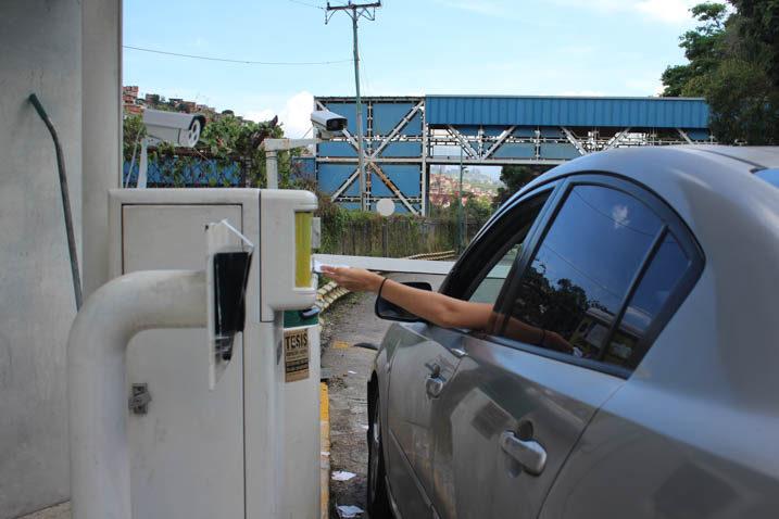 Usuarios del estacionamiento del campus Montalbán cuentan con nuevos métodos de pago
