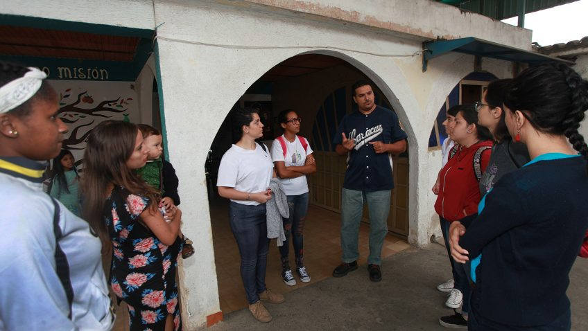 Investigadores de la UCAB estudian los mecanismos de solidaridad en zonas populares