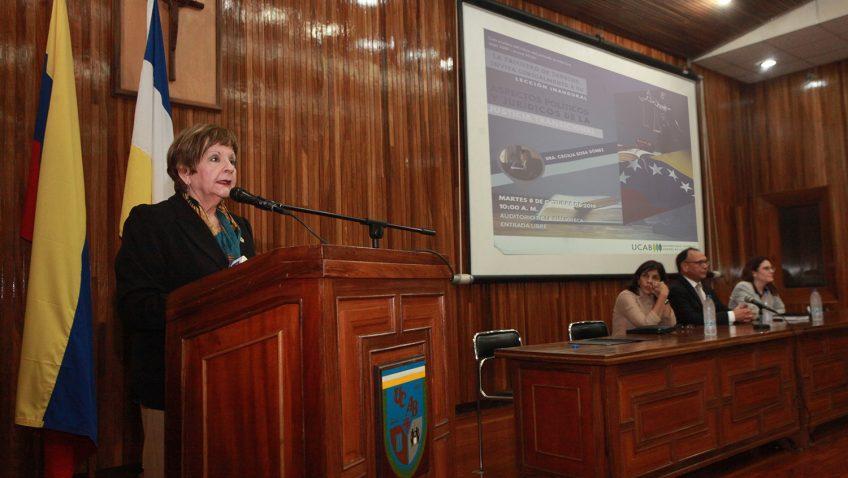 """Cecilia Sosa: """"Para que una justicia transicional sea exitosa se necesita recuperar la democracia"""""""