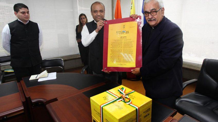 La UCAB estrecha relaciones con la Embajada de la India