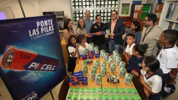 Proyecto de robótica educativa de la UCAB recibió donación que garantiza su actividad por dos años