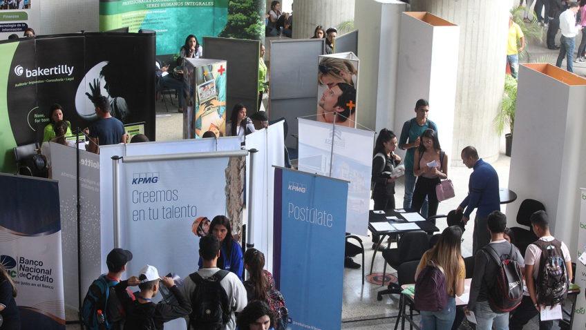 Empresas apuestan por el país en la Feria de empleo y pasantías UCAB 2019