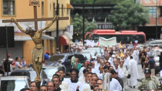 Iglesia en Venezuela, oscuridad o luz