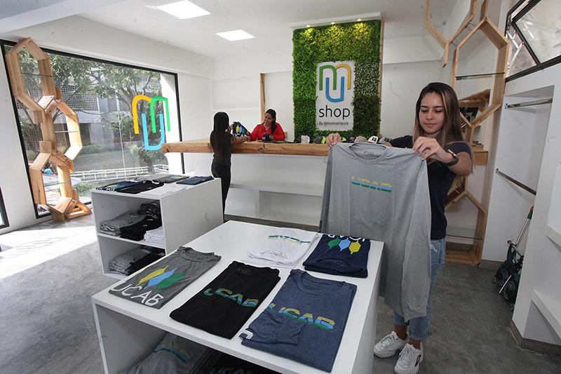 Abrió sus puertas «Mundo UCAB Shop»: primera tienda universitaria de Venezuela