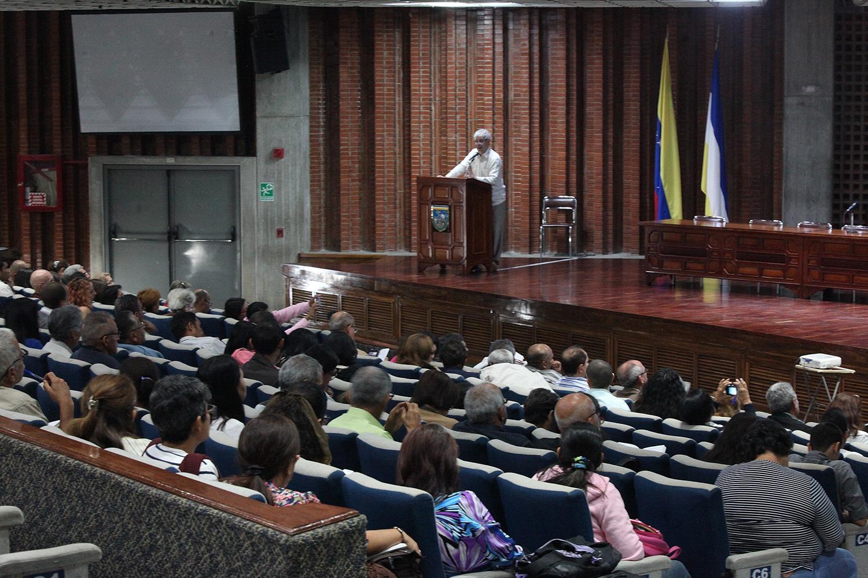 Es prioritario ajustar los planes sociales a las necesidades regionales: expertos desde la UCAB
