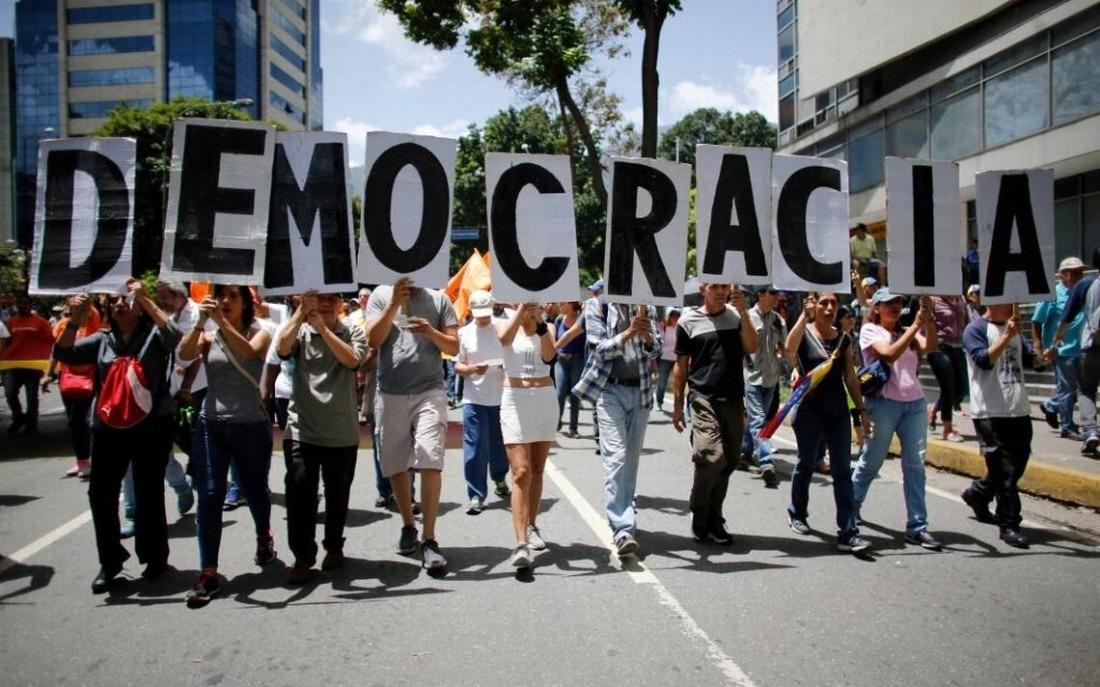 Sociedad civil debatirá en la UCAB soluciones democráticas a la crisis
