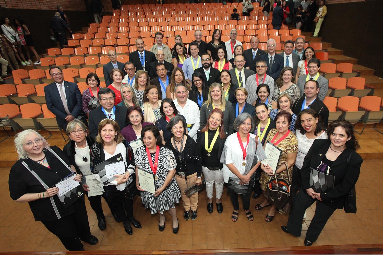 La UCAB entregó distinciones honoríficas a sus docentes e investigadores (+Fotogalería)