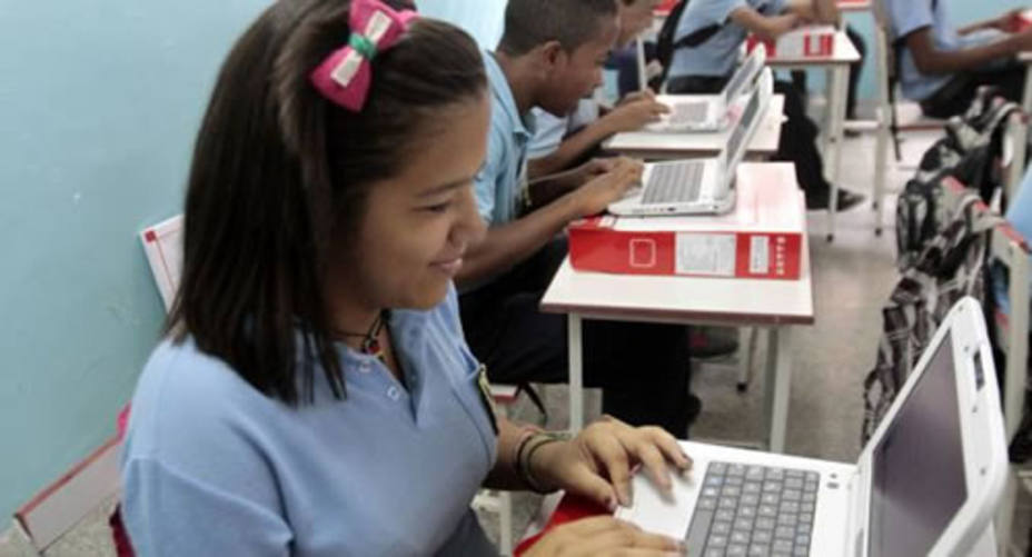 Escuela de Educación dictará clases virtuales de Matemáticas a alumnos de Fe y Alegría