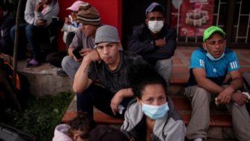 42% de los migrantes venezolanos perdió su empleo y 31% ha pensado retornar, revela estudio de la UCAB