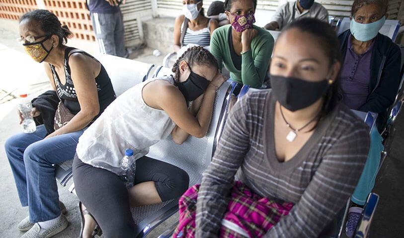 Situación de los venezolanos califica como «trauma», dicen psicólogas de la UCAB