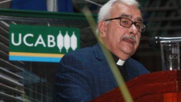 """Rector Virtuoso: """"es urgente provocar un cambio en el país"""""""