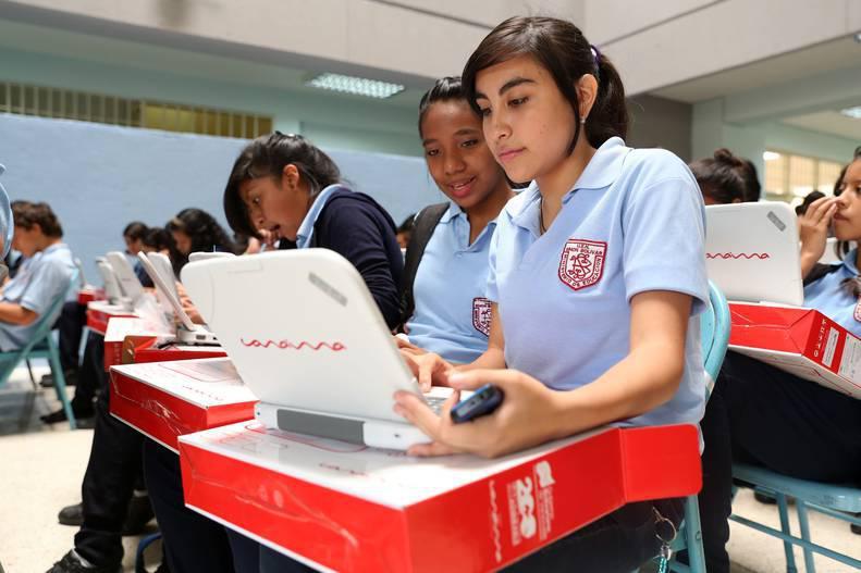 Escuela de Educación invita a estudiantes de bachillerato a realizar pruebas en línea para evaluar su aprendizaje