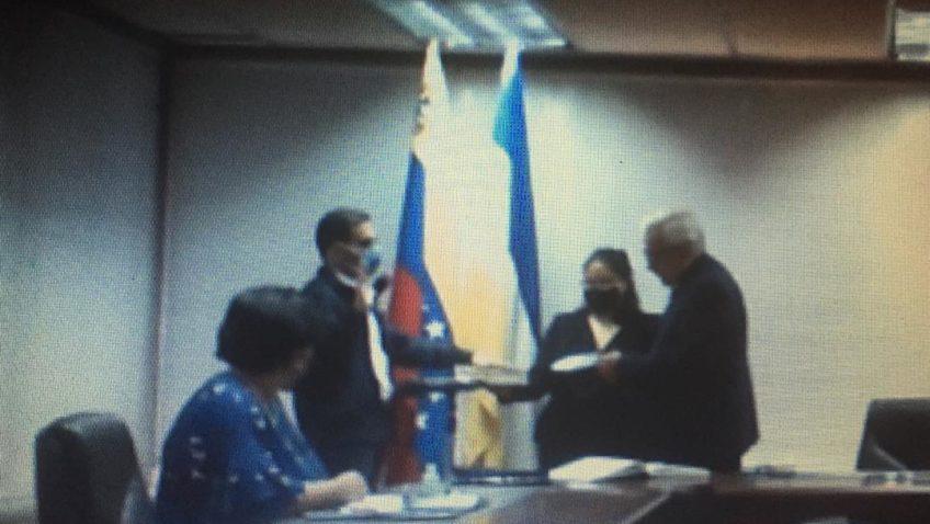 Consejo Universitario juramentó a 13 directores de escuelas, centros e institutos