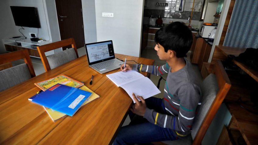 La Escuela de Educación estrenó EdUCAB TV, plataforma en línea para enseñar matemáticas