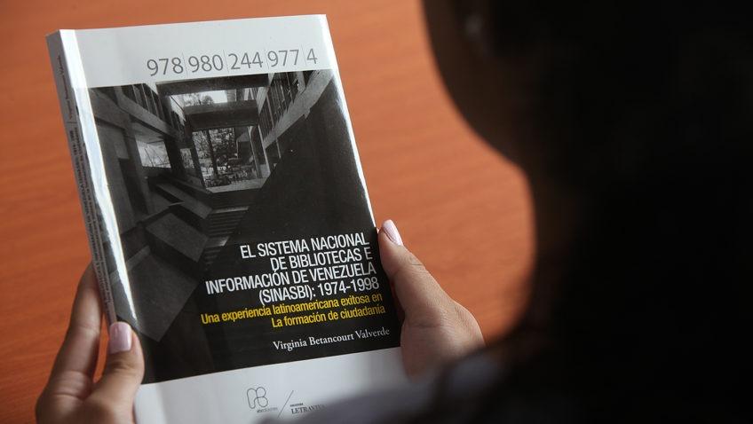 Nuevo libro de la UCAB rescata la labor de Virginia Betancourt a favor de la lectura en Venezuela