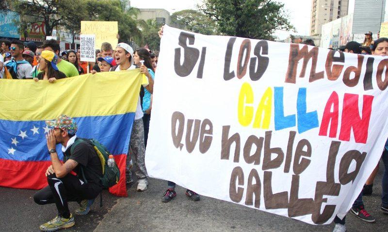 Decálogo ciudadano para la reconstrucción democrática presentaron la UCAB y organizaciones sociales