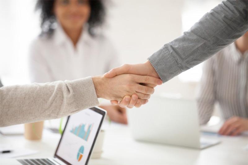 Capacitación y compensación de empleados en tiempos de crisis: claves de una experta