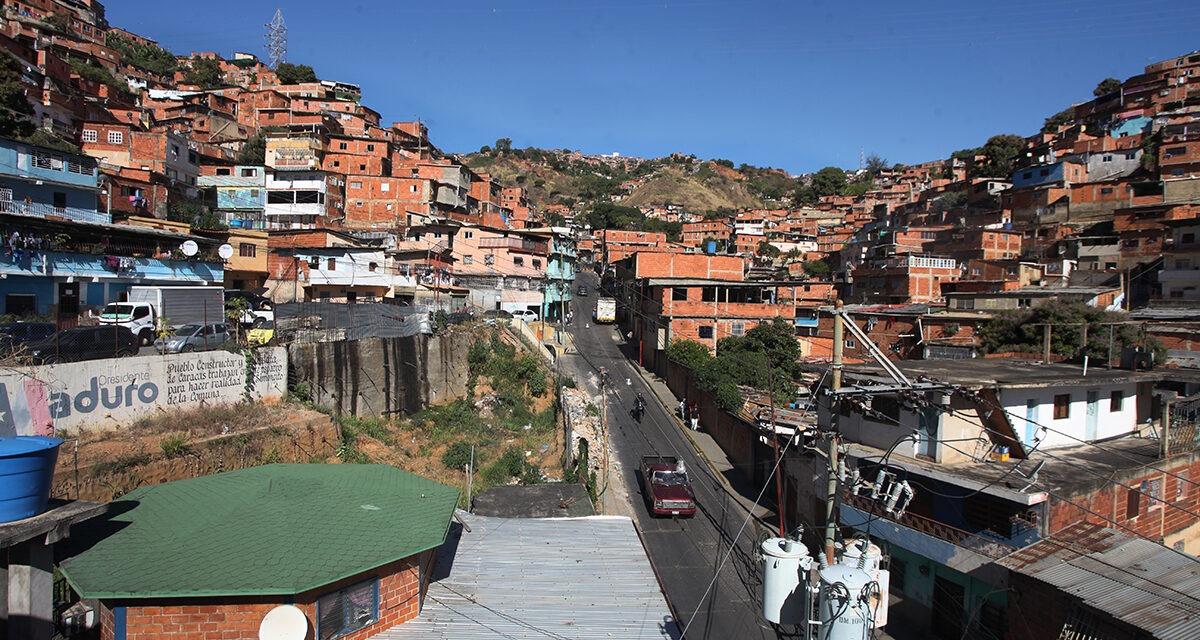 Misión Vivienda no es viable en Venezuela, asegura Cristofer Correia, experto en políticas públicas